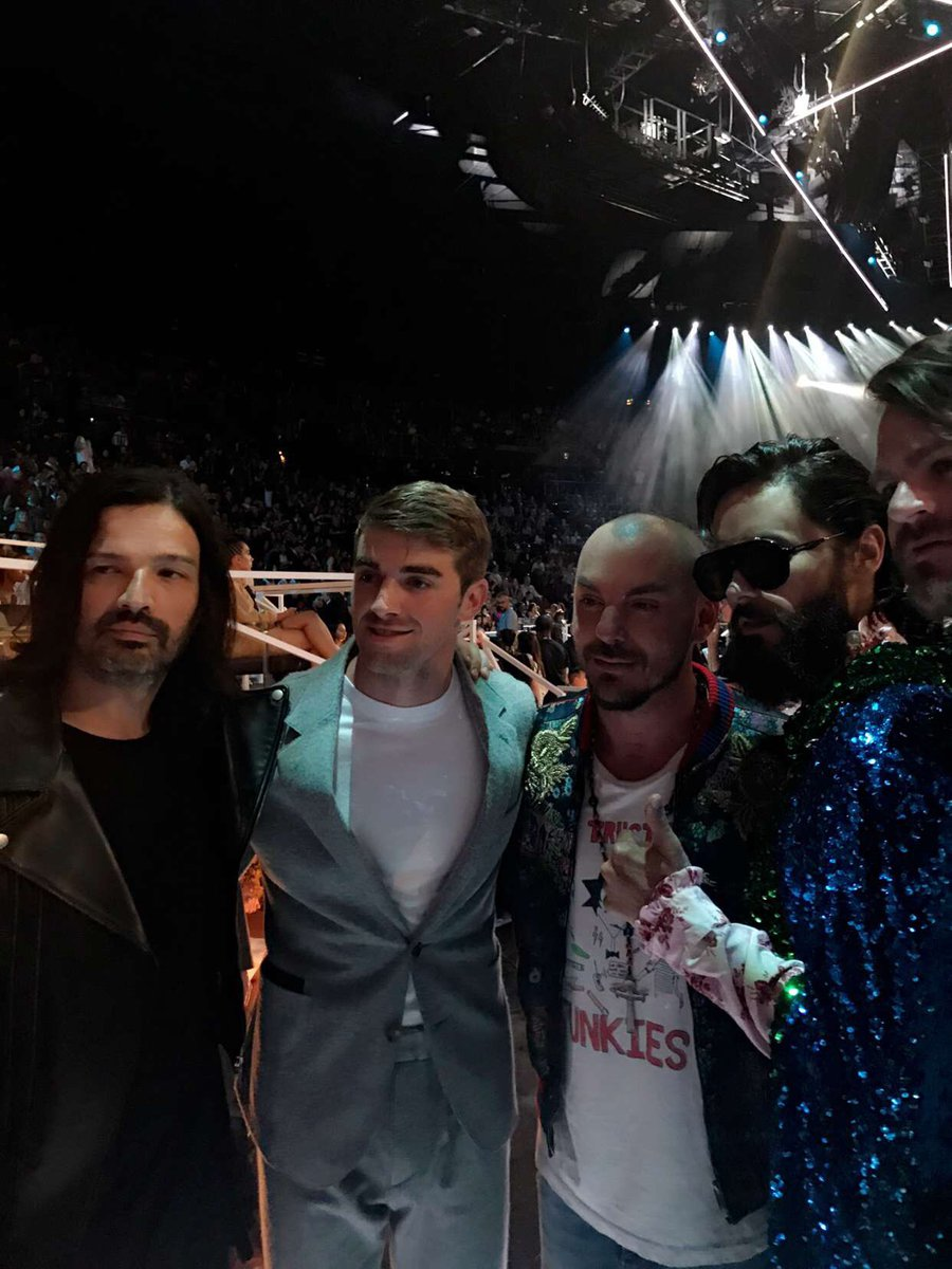 Good to see you, @TheChainsmokers ???????????????? #VMAs https://t.co/4m9WcZCYJC