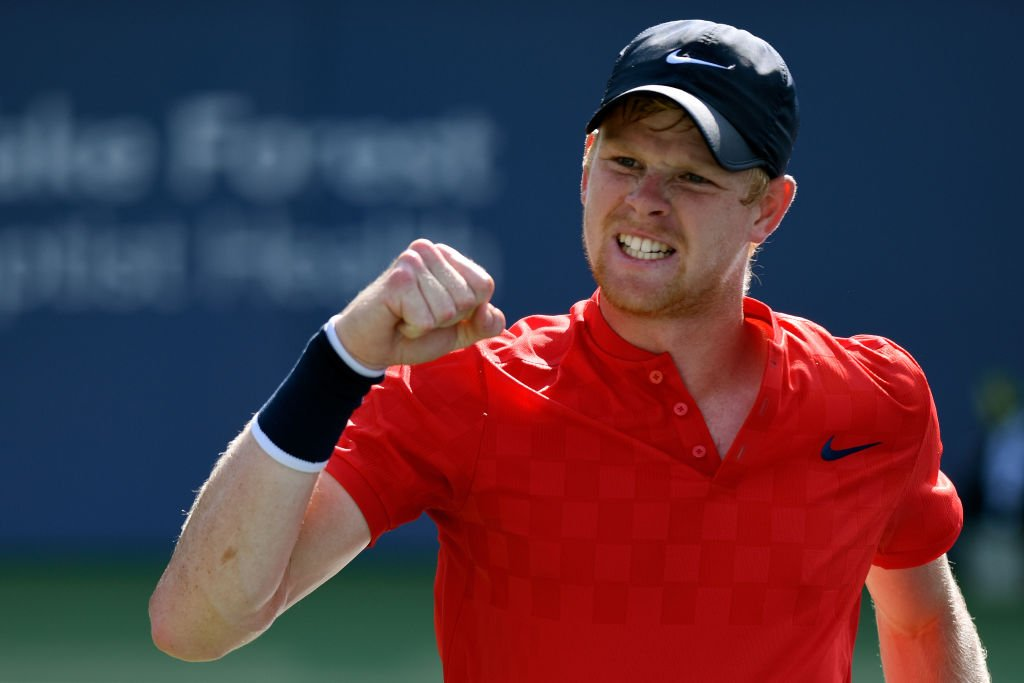 Kyle Edmund takes the first set 6-3 against Robin Haase in his #USOpen opener.  ����https://t.co/WDf9Kvb3i8 #bbctennis https://t.co/MSM19h76gF