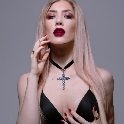 #Blonde goddess @TheOnlyTheodora is the queen of #blackmail! https://t.co/n5DVMj8tw3 #findom #iWantClips