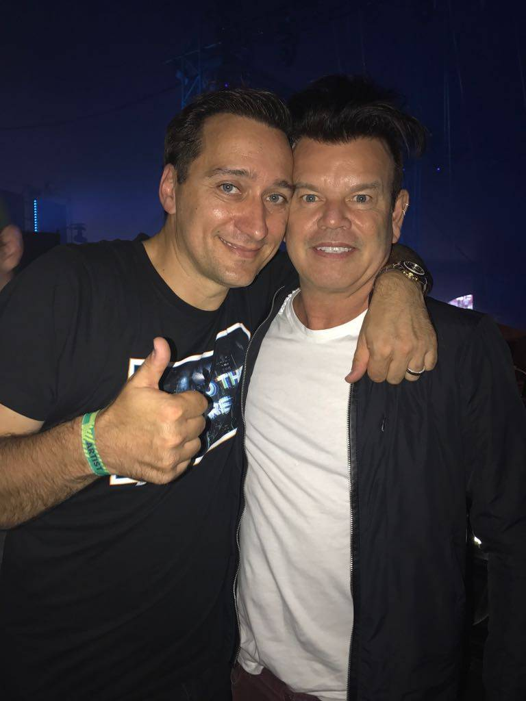 Look who I ran into at @Creamfields :) @pauloakenfold #trancefamily https://t.co/laEqu3GSe1