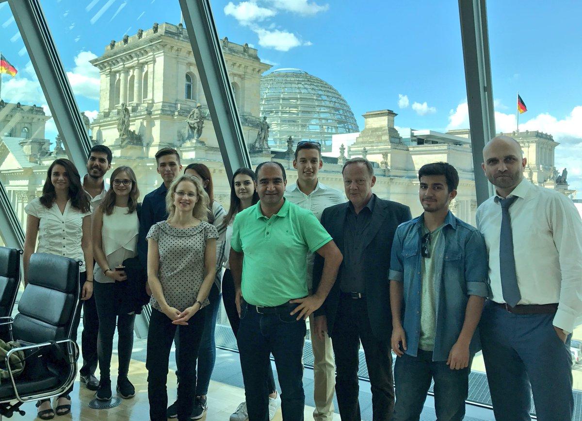 test Twitter Media - Deutsch-Türk. Jugendliche von d. #Jugendbrücke / Mercator-Stiftung zum Gespräch im Bundestag empfangen. Dialog ist heute wichtiger denn je! https://t.co/i1H4gFLbIv