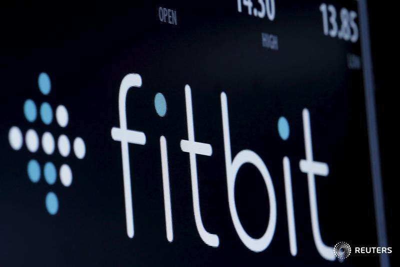 Fitbit takes aim at Apple with its new smartwatch launch: via @Tech_Correspond