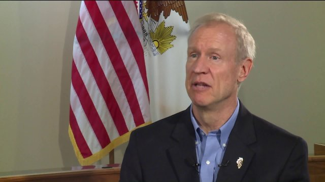 Illinois governor signs automatic voter registration law