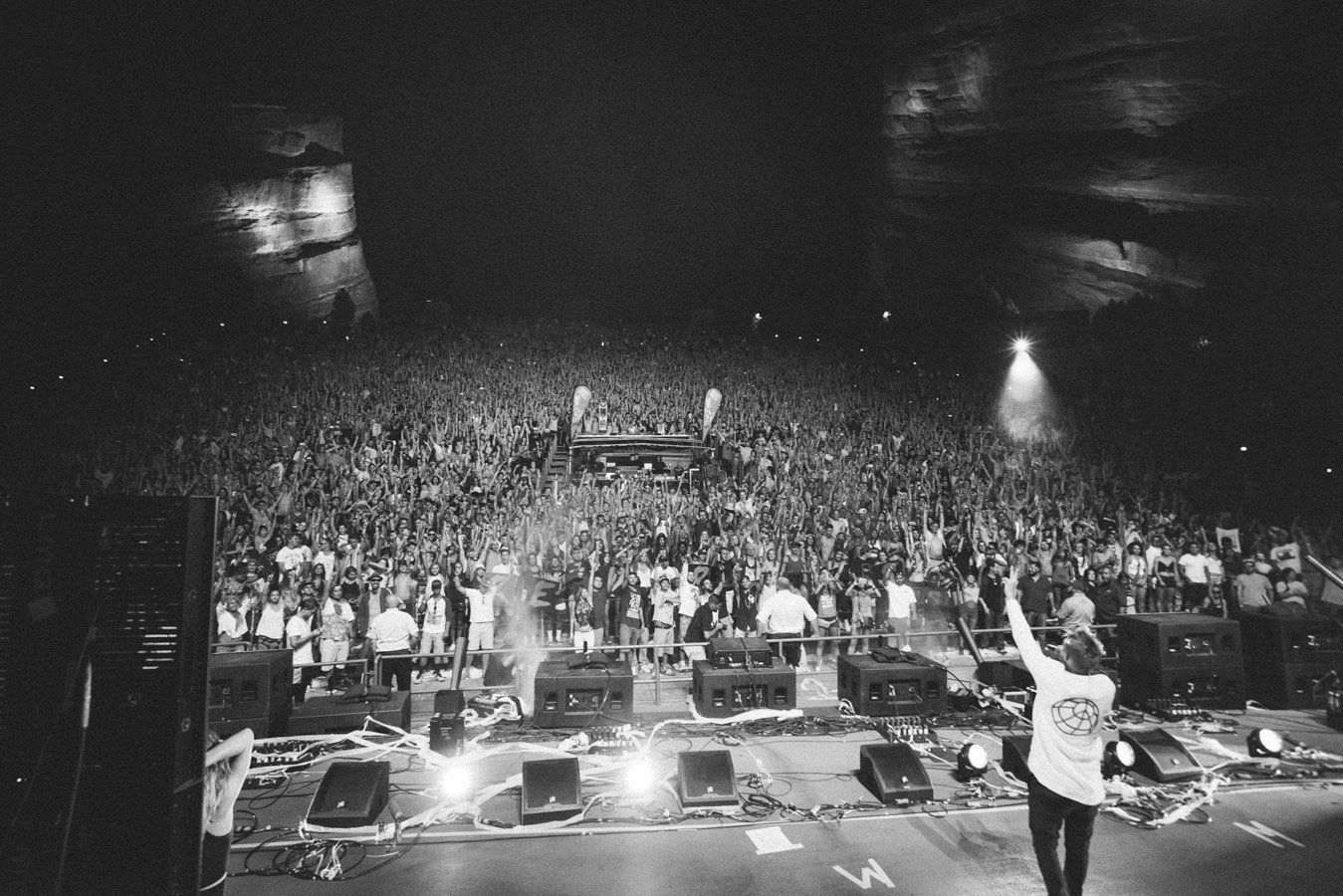SEP 3RD RETURNING TO RED ROCKS  BACK AFTER ✌�� YEARS  @MDBLOCKPARTY  https://t.co/F1ZQrTZmIi https://t.co/XbB0h1bRtI