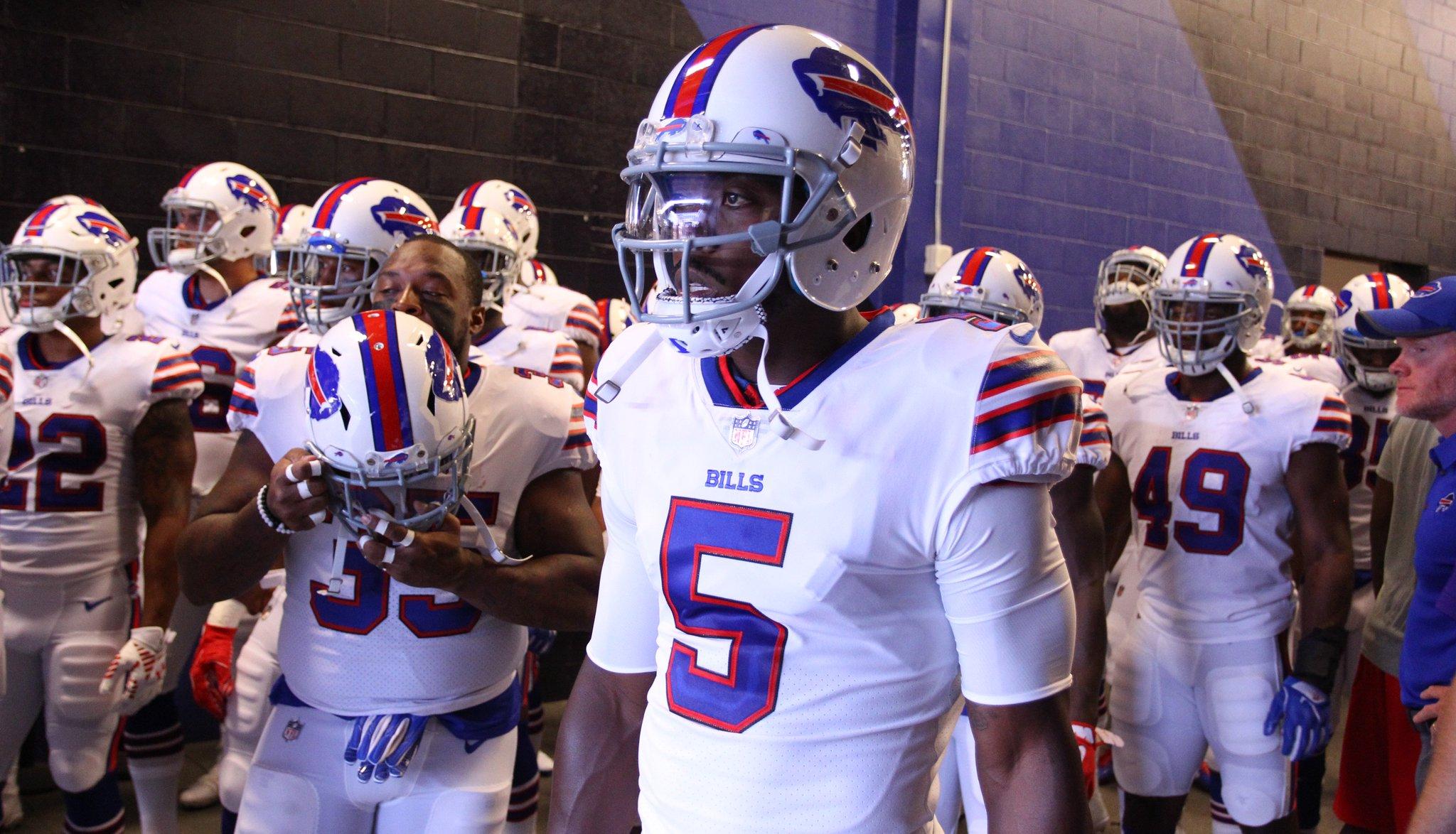 7 bold predictions for the 2017 Buffalo Bills season: https://t.co/a1mJYefYze https://t.co/bkMJpvlove