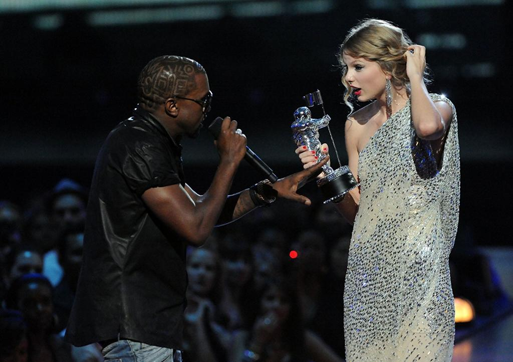 Best MTV #VMA moments through the years �� https://t.co/xo4x0CEJXP https://t.co/NzWSyutFtZ