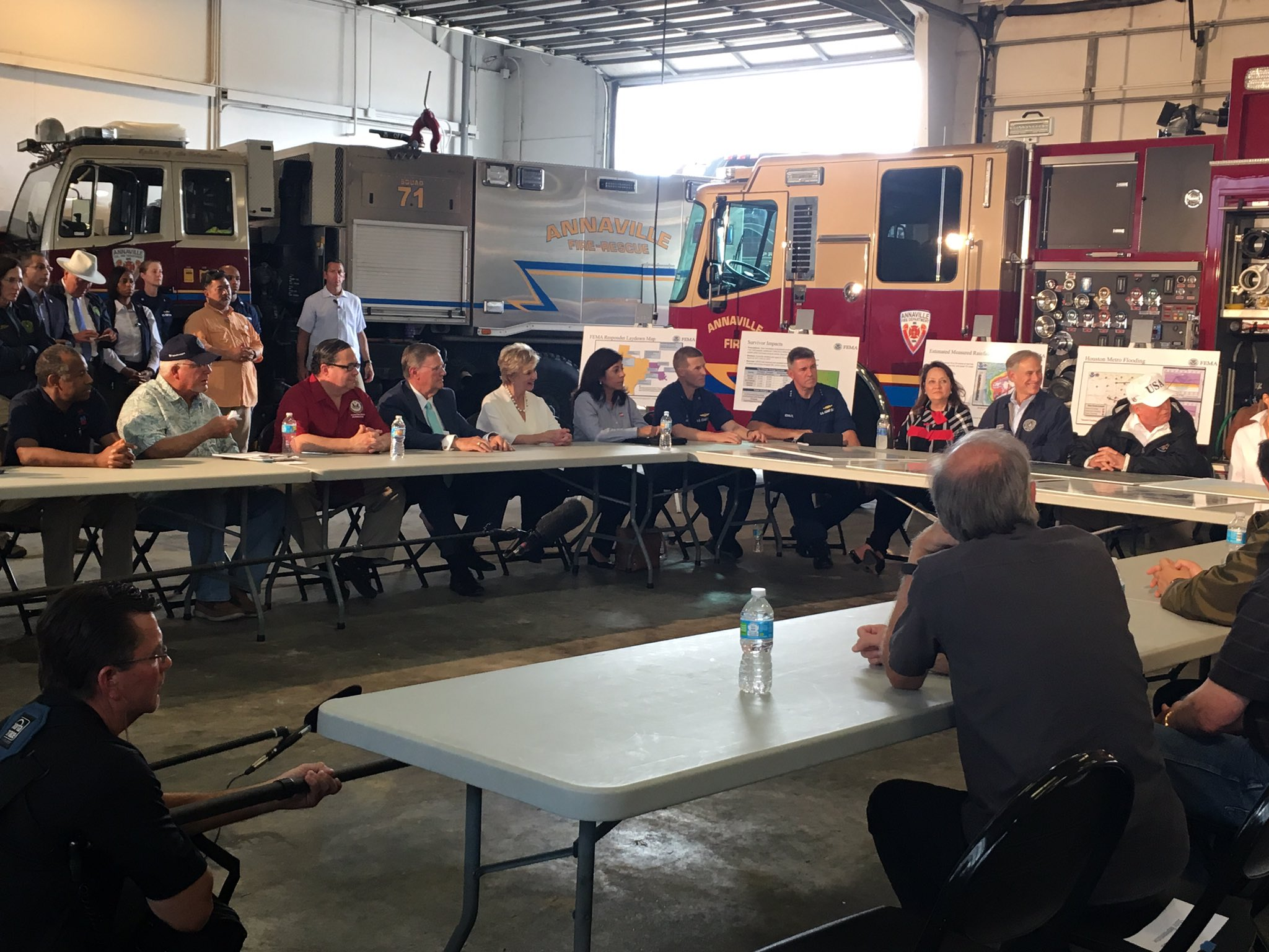 'We can count on the President of the United States' @GovAbbott tells group gathered at Fire Station 1. #POTUSinTX https://t.co/tDoTRTa7u7