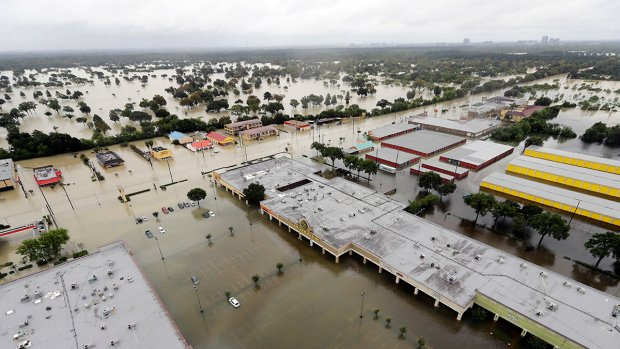 Harvey rain is heaviest in U.S. history; flood defences strained