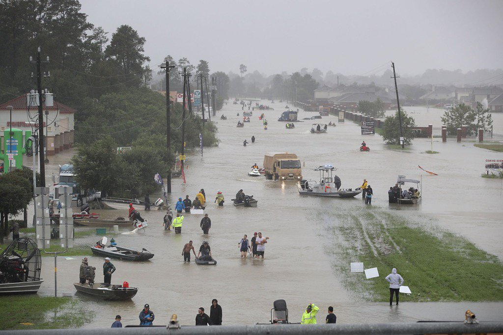 Please support and donate to the relief groups that are providing incredible support following #HurricaneHarvey ???????????? https://t.co/PfcR0O71Zl