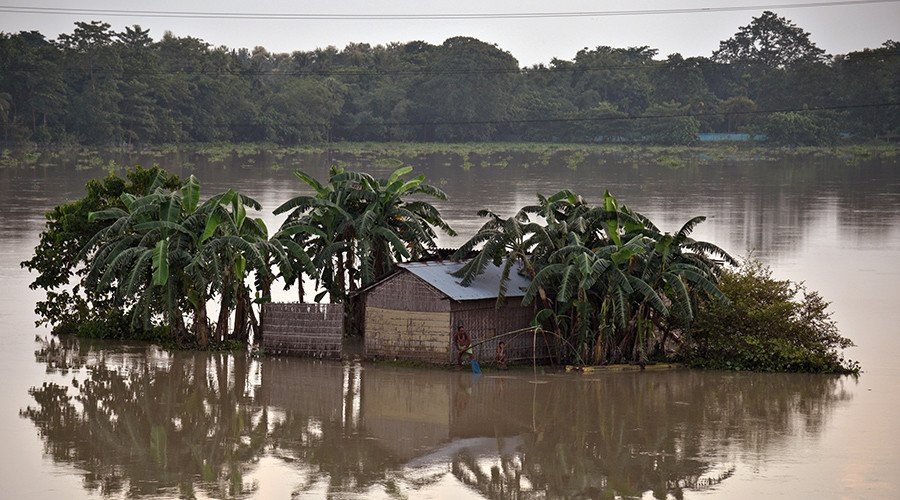 Monsoons kill 1,200, displace millions in India, Nepal & Bangladesh (PHOTOS & VIDEOS)