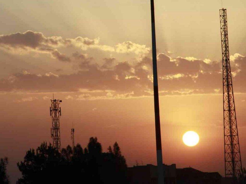 Al Shabaab wreck communication mast, burn meeting hall in Daba city, Mandera