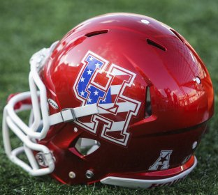 College football: Hurricane Harvey keeping Rice and Houston football teams off campus https://t.co/zuvrUF5rJG https://t.co/LiB1e5yqkd