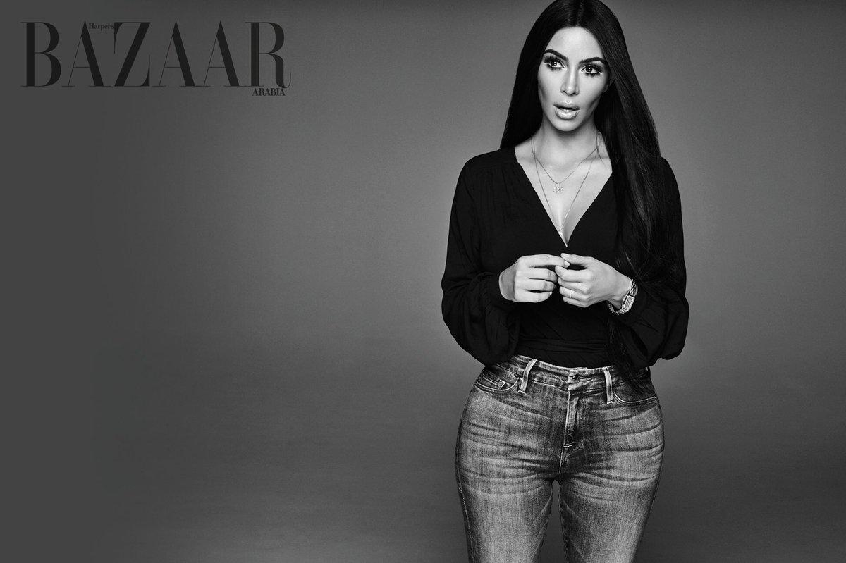 ???????????????? @kimkardashian wearing our @goodamerican Good Legs Blue107 denim coming this fall!! https://t.co/4z8VWyWR9R