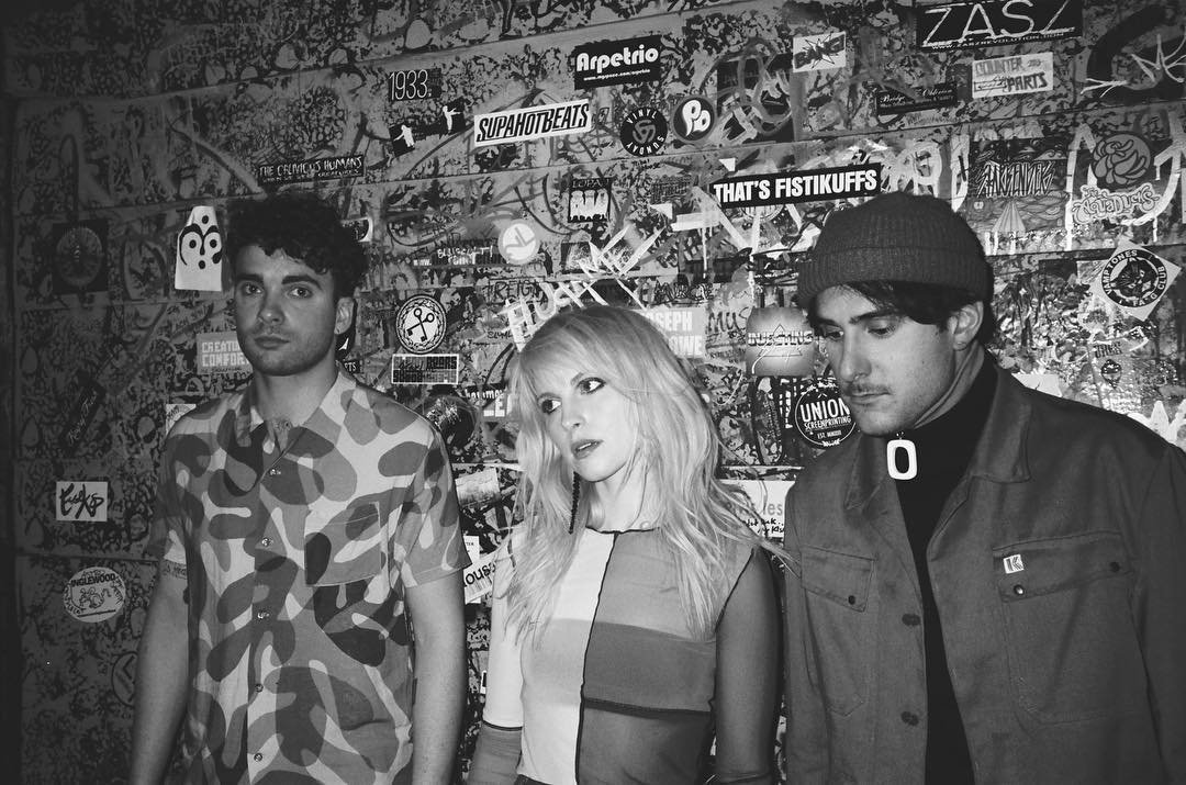 NEW PHOTO of Paramore https://t.co/nnhZNMOU1P