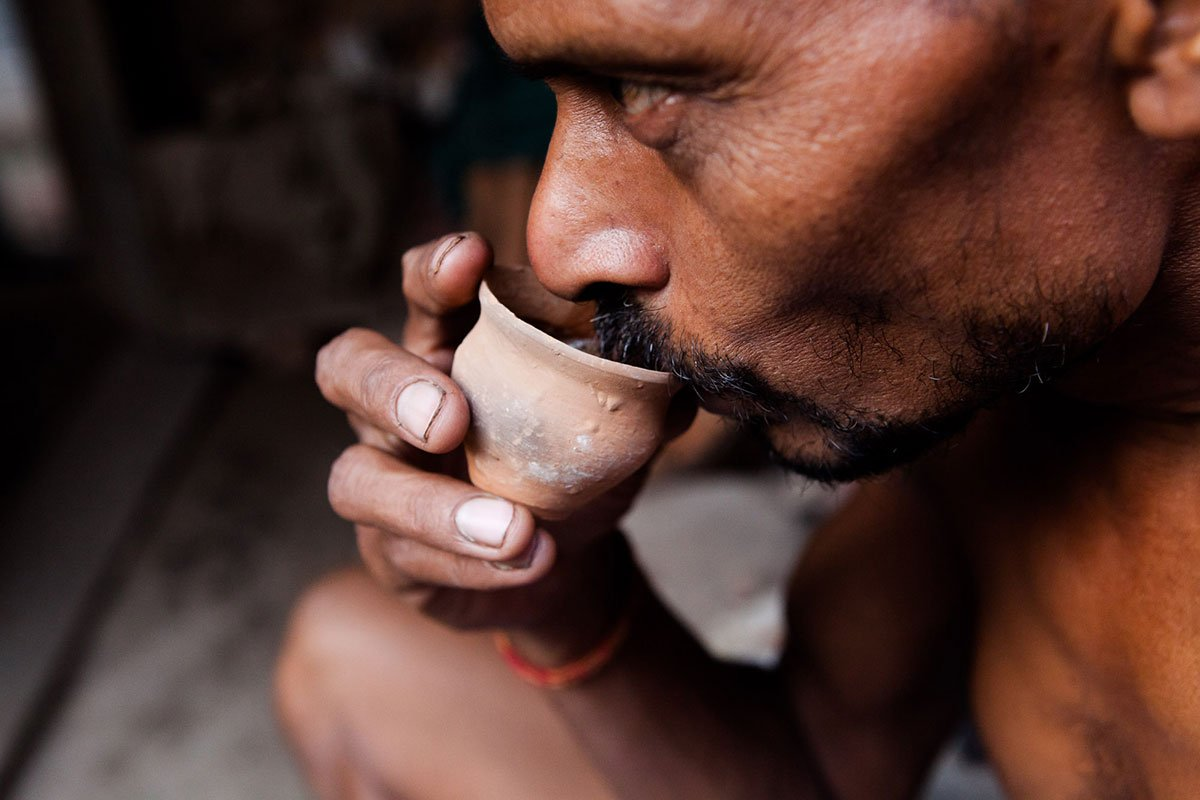 India's dying tradition of drinking tea from clay cups