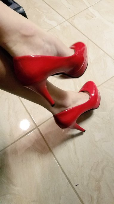 1 pic. And last but far from least... The best bright red shoes I have ever seen! And the comfiest! Thank