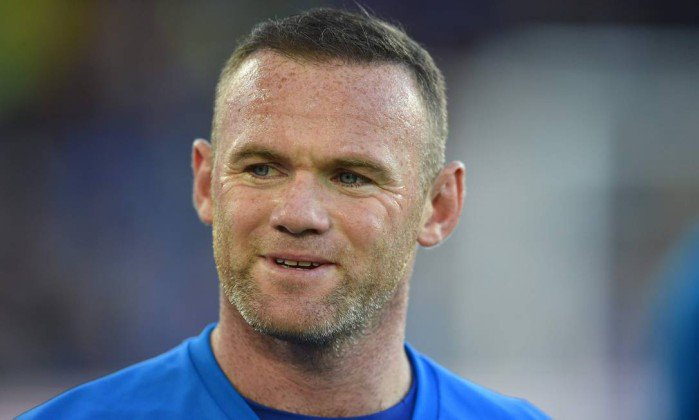 Wayne Rooney é detido sob suspeita de dirigir embriagado, diz TV inglesa