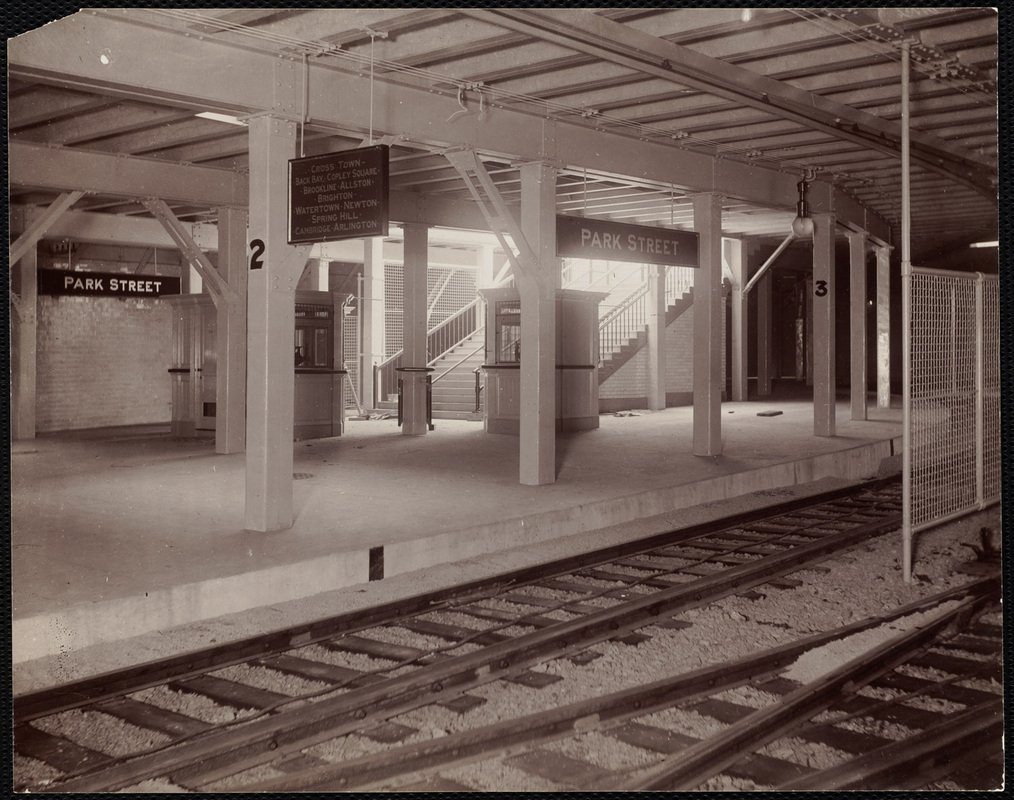 01SEP1897: #Tremont St Subway, North America's oldest, opens with est 200,000 to 250,000 first day passengers. #Boston #MBTA #BostonCommon https://t.co/Pht2AB1Afb