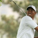 Doctors clear Woods to swing golf clubs