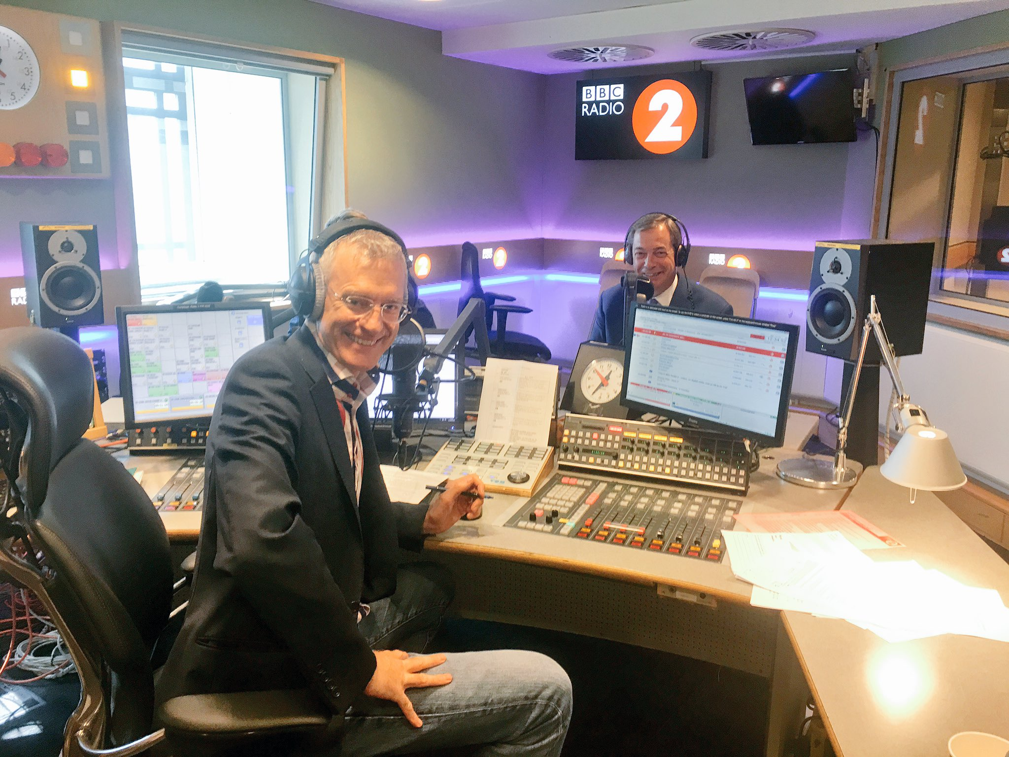 Thanks for having me on today @theJeremyVine! @BBCRadio2 https://t.co/I6vswOj1xs