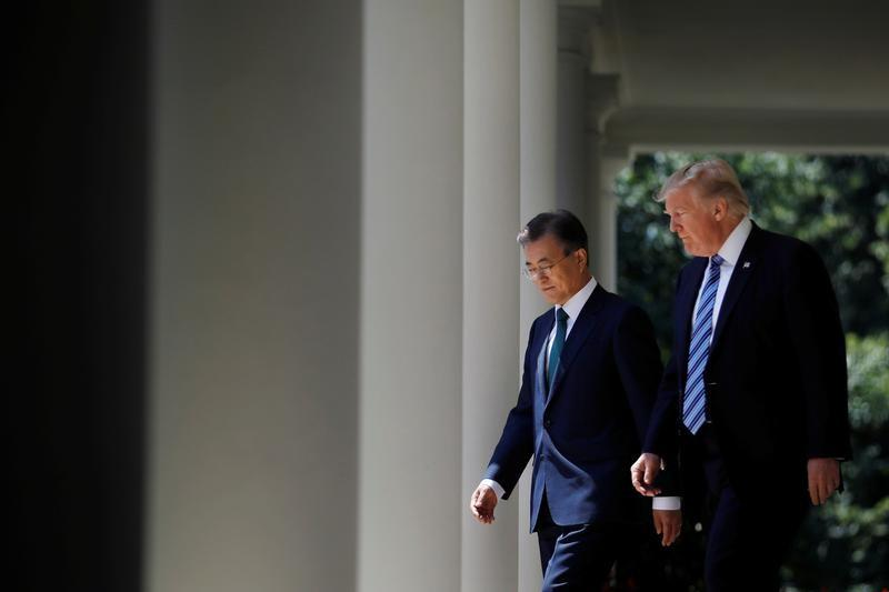 Trump speaks with South Korea's Moon about threat from North Korea: White House