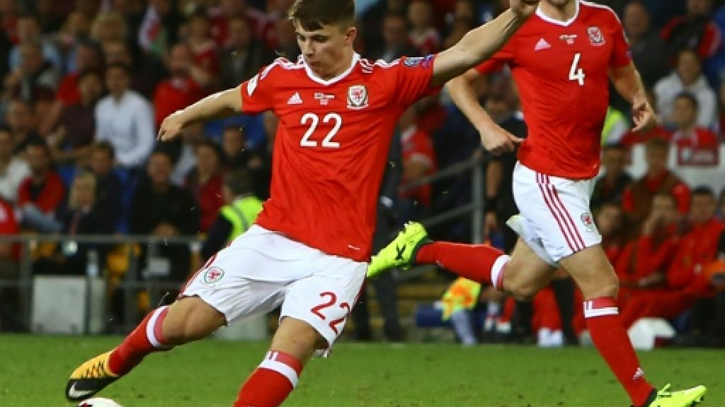 Woodburn, 17, revives Wales World Cup bid