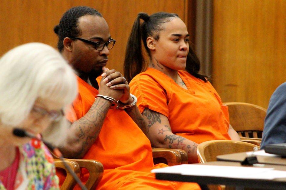 Cabell judge OKs photos, word 'torture' in murder trial