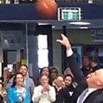 Prime Minister Malcolm Turnbull fails on basketball court