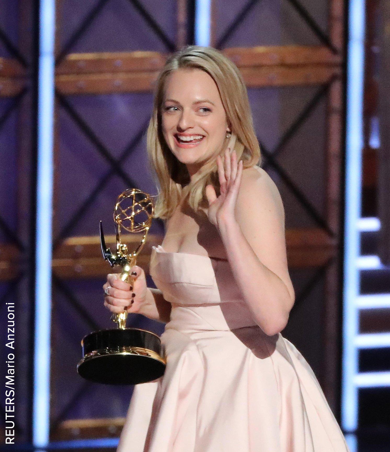 Elisabeth Moss laughs off expletive-laden #Emmys speech. 'That was the clean version.' https://t.co/VRl9c3uEjD https://t.co/Djbjb7FGm4
