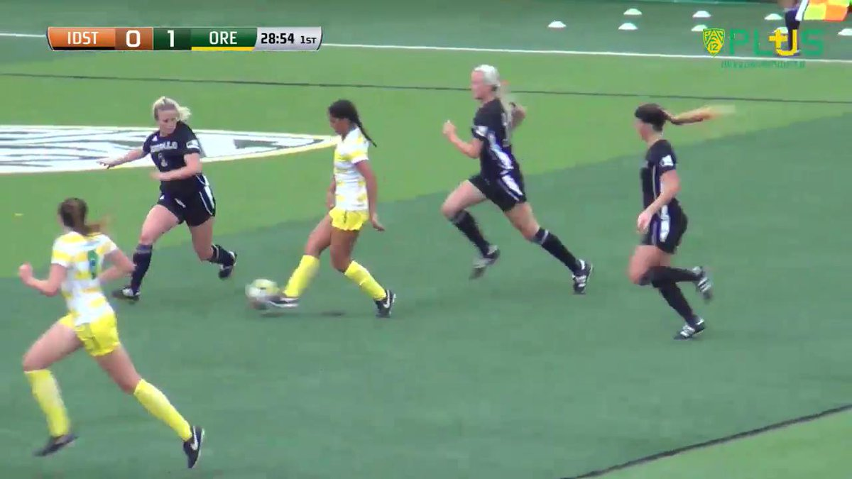 VIDEO   Jessica Yu knocks in her second goal in two games to give Oregon a 2-0 lead against the Bengals! #GoDucks https://t.co/xxzzJpgwKy