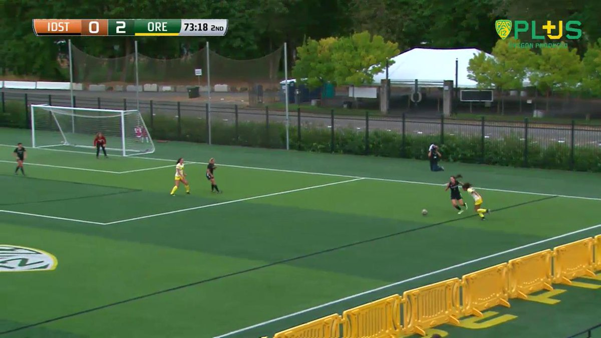 VIDEO   Mia Palmer dribbles across the middle and buries the ball in the corner! #GoDucks https://t.co/pGmepo3Ets