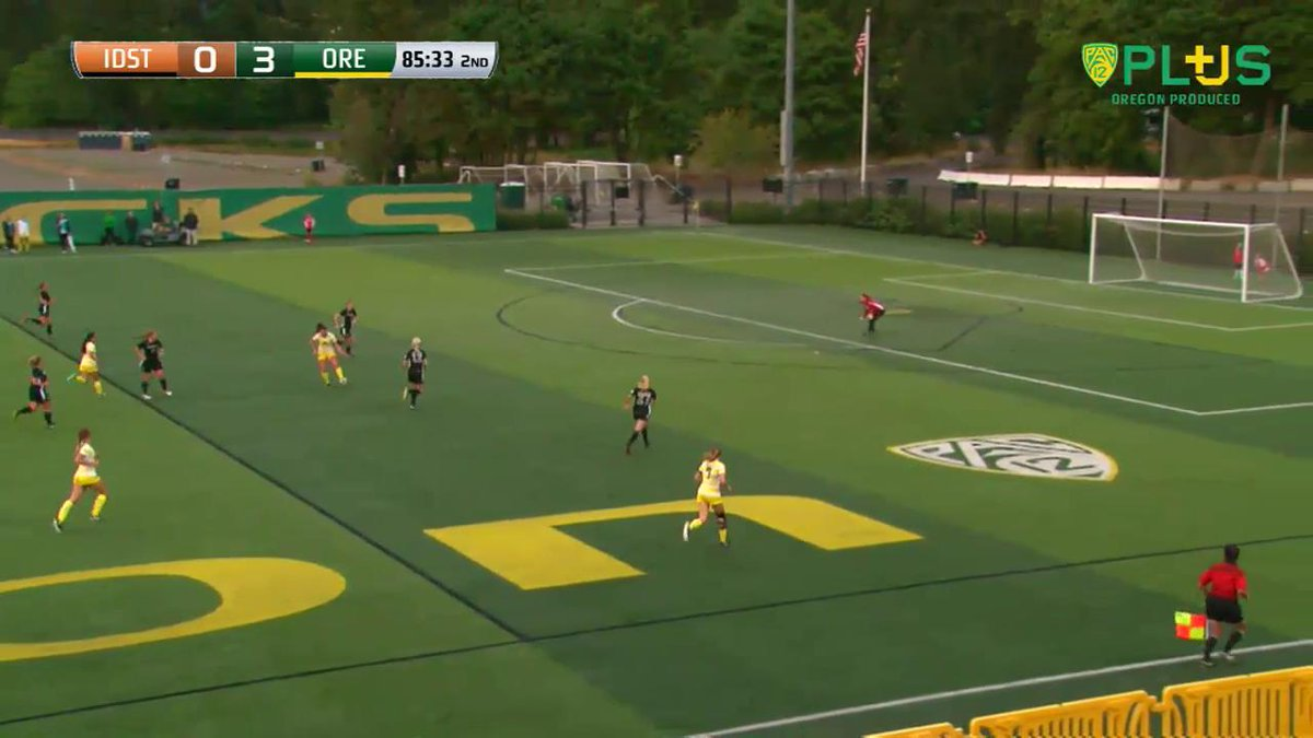 VIDEO   Kyra Fawcett nets one in from deep for her third goal of the season! #GoDucks https://t.co/WSiEhkSmb1