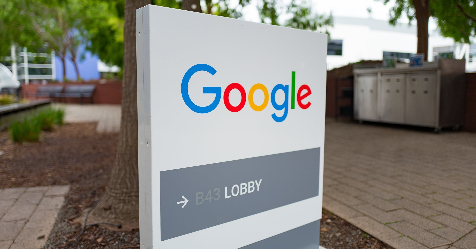 Ex-Google employees sue tech giant for systematic gender pay discrimination https://t.co/ZvENmDvzwF https://t.co/YhkWn0EQR9