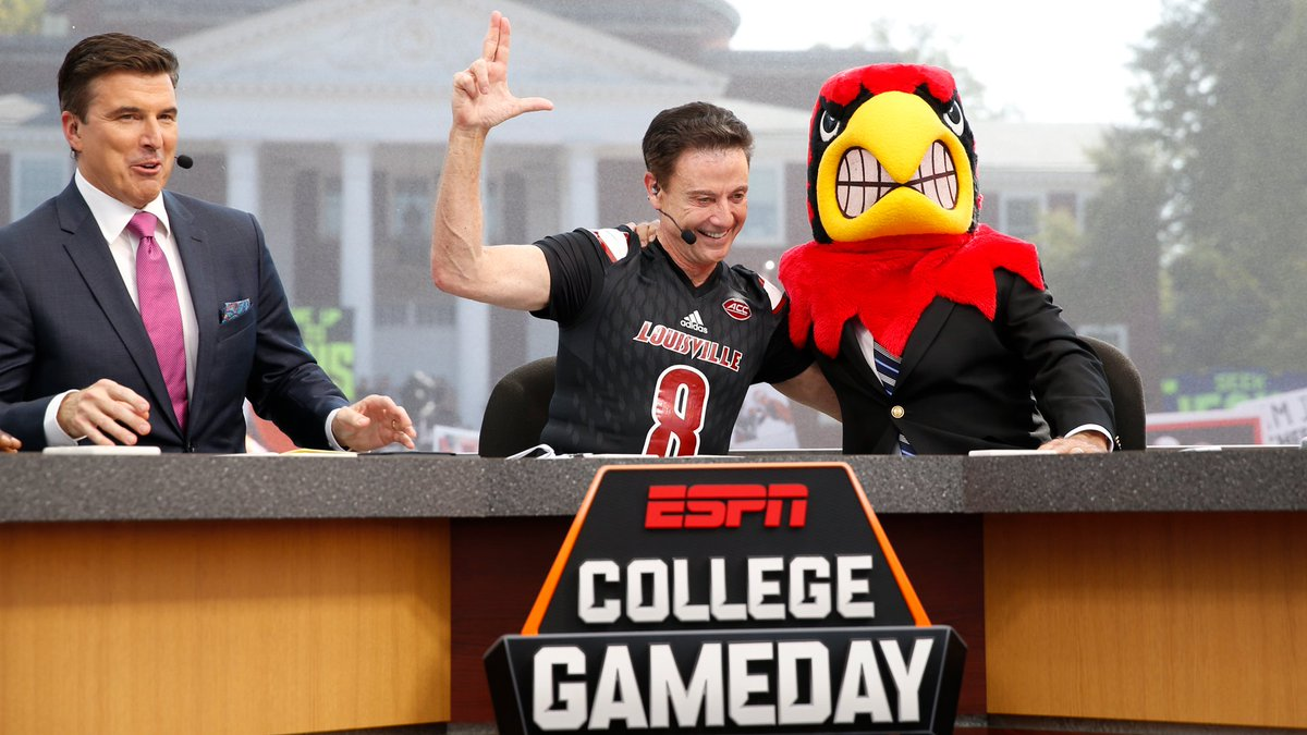 We could watch this clip loop all day... Corso picks the Cards! #L1C4...