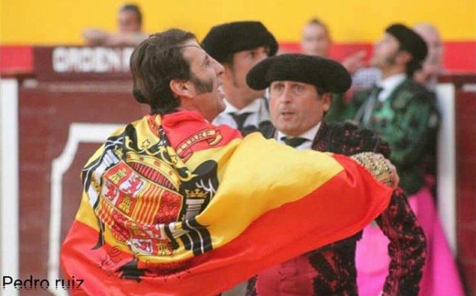 RT @____tuan: Padilla no tiene buen ojo para elegir bandera. https://t.co/pt8icU05jE