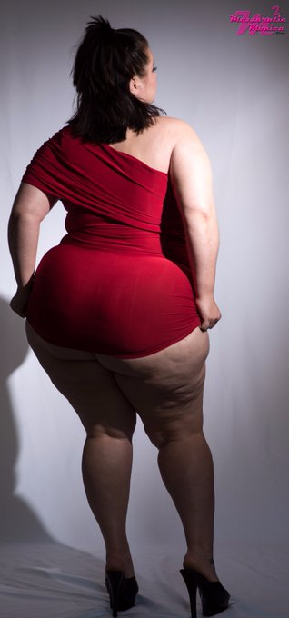 1 pic. I am your #demon in a red dress come join https://t.co/t8gZPutHYs #58inches of #ass #38ddds https://t