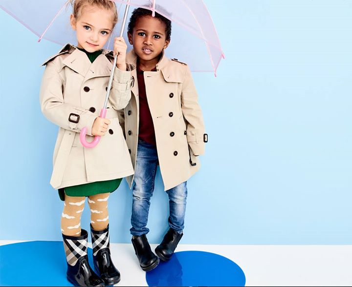 In honour of #LFW, put your little one in that signature check from @Burberry Kids: https://t.co/P2lqThcwEm https://t.co/QQnVVMSeoj