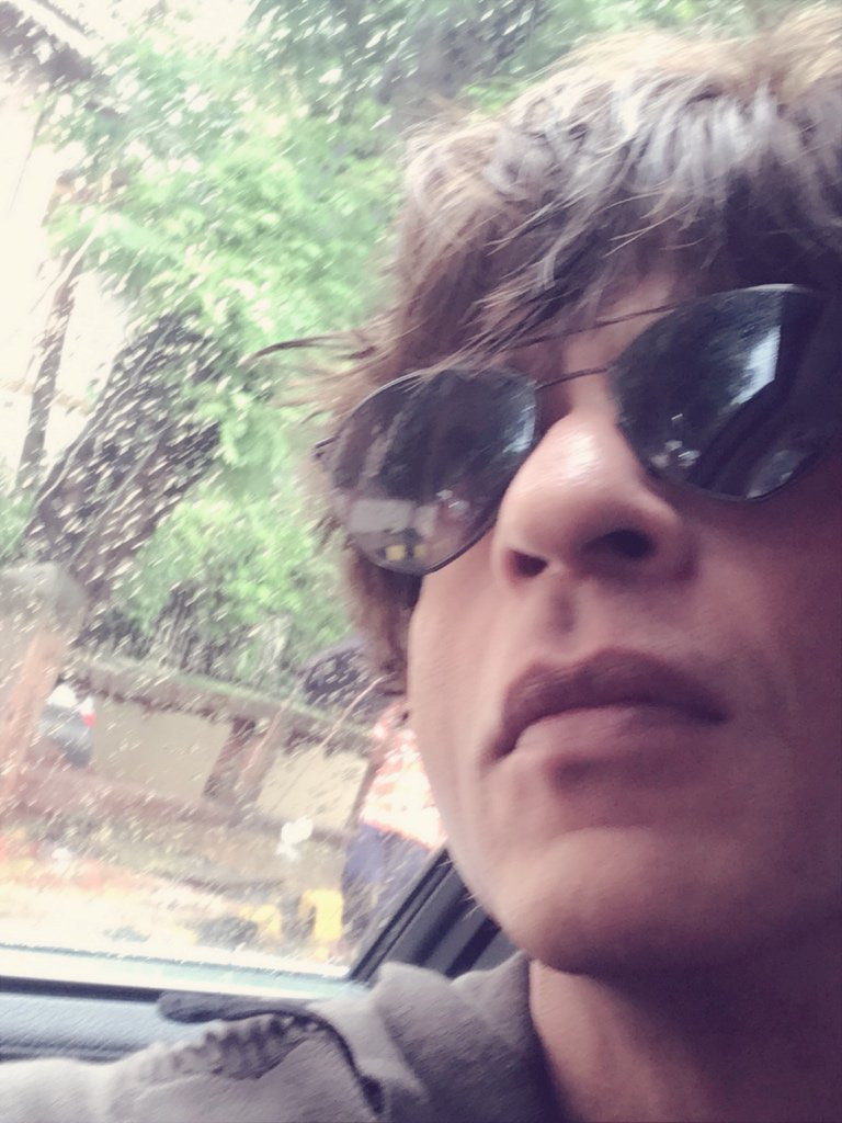 Loving the rains….& all the 28 Million of you! Thx for the love, suggestions, hugs & ur tenacity. Be Happy All. https://t.co/2G1P35edtC