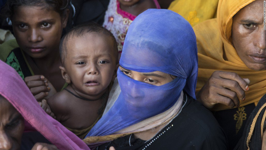 Three killed in stampede for aid near Rohingya refugee camp https://t.co/GZhZ4XjvEC https://t.co/3lSDiRz9Yd
