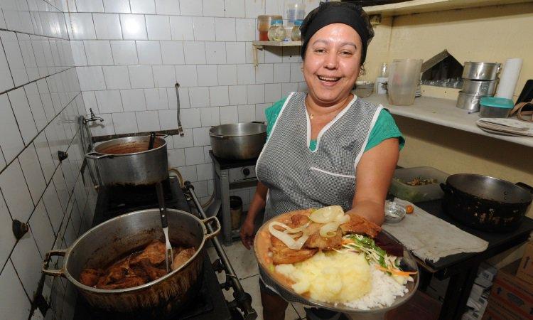 Gastos com gás, luz e transporte impede redução de preço do PF em restaurantes