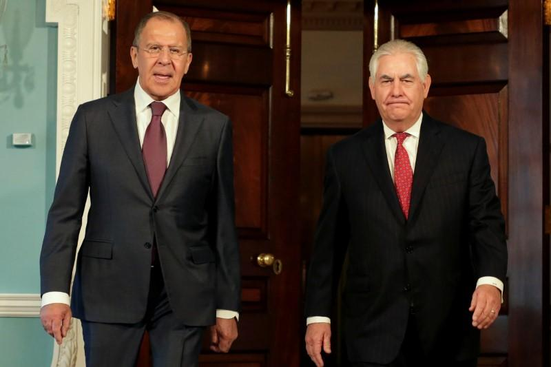 Russia's Lavrov and Tillerson talk Syria after bombing allegations