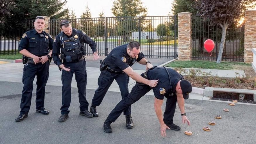 'It' factor: California cops pose for viral photo inspired by horror film