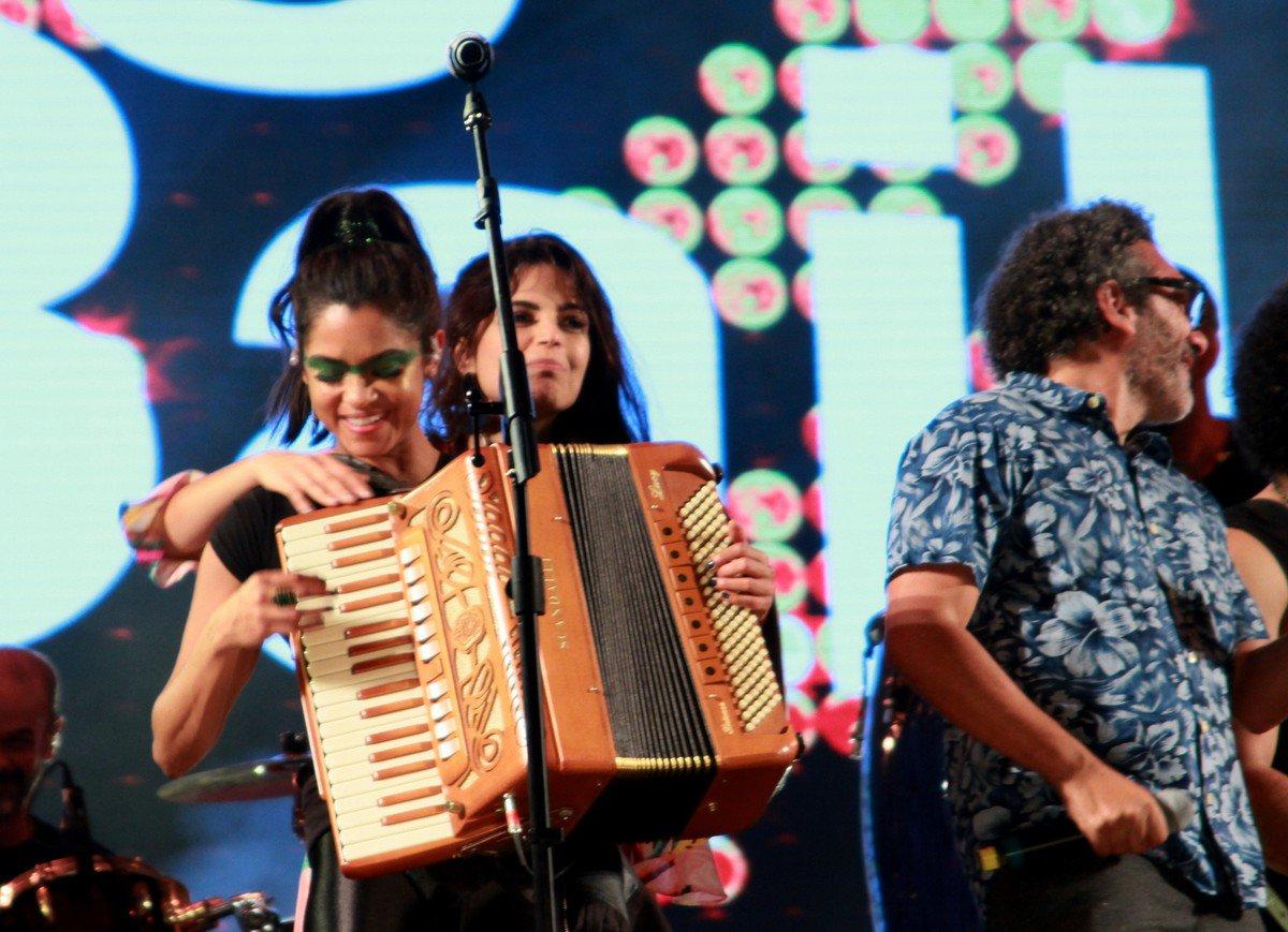 Emanuelle Araujo. Foto do site da O Buxixo que mostra Emanuelle Araujo e Lucy Alves retornam ao palco do Rock in Rio após homenagem a João Donato