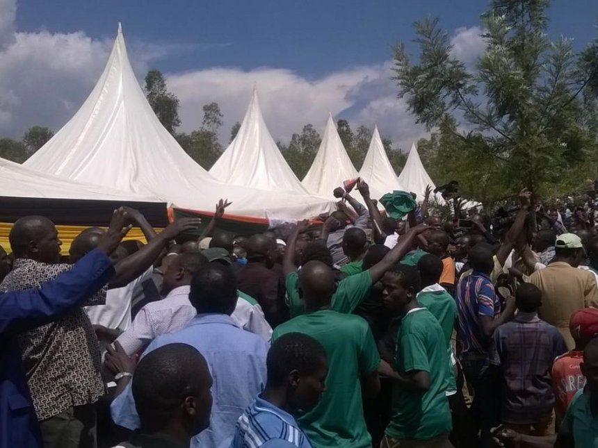Bungoma youths attack pro-Jubilee MPs at burial attended by NASA leaders