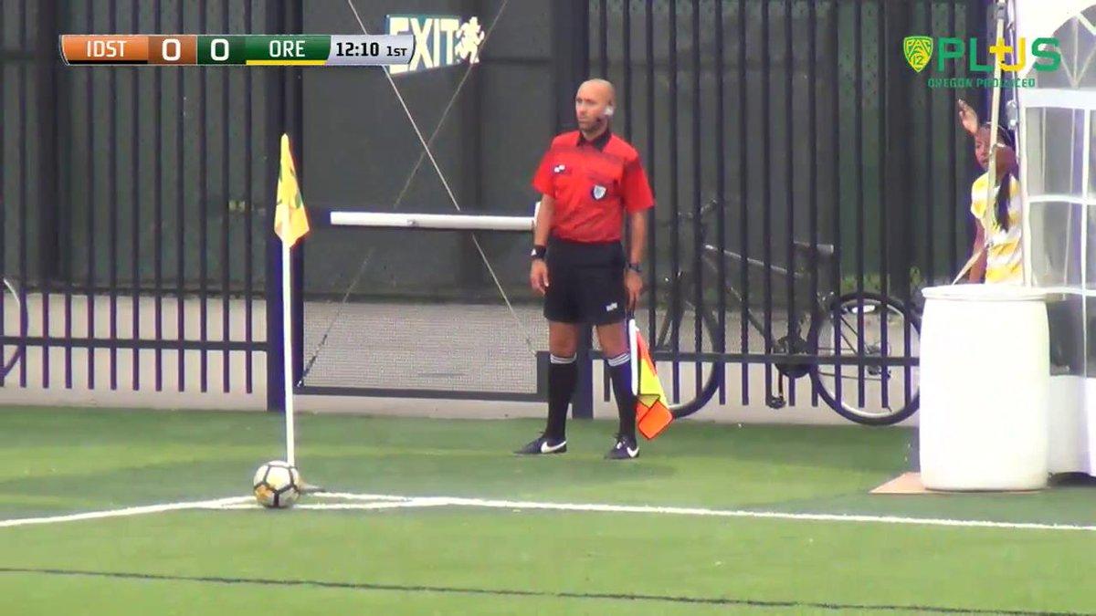 VIDEO   Jayne Lydiatt scores the first goal of the half for Oregon! #GoDucks https://t.co/VCTgpP7JzD
