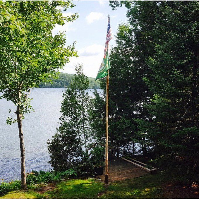 #Army #ArmyRetired Handmade Cedar #Flagpole #Maine External halyard #USFlag Natural wood local beauty #ServiceFlags https://t.co/BdBzutQDhi https://t.co/r6nxJ9Hh8j