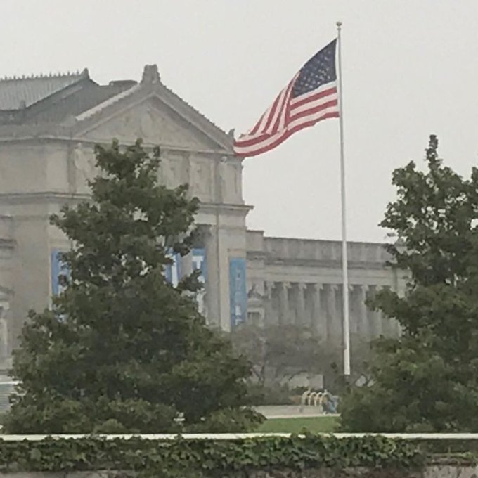 #MuseumofScienceandIndustry #USFlag #ChicagoLakeFront Architecture #LakeMichigan #Flags https://t.co/cKsp4A7DYJ https://t.co/ZUYE2F2PsT
