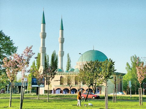 Dutch mosques receive millions from Kuwait - Kuwait Times