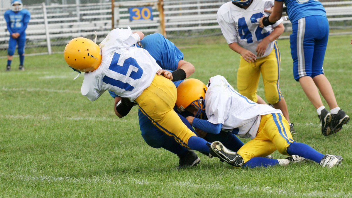 "Don't let your kids play these 6 sports, ""Concussion"" doctor warns via @todayshow"