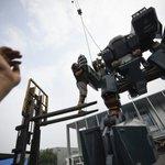 Chinese robotics artist makes real-life 'Transformers'